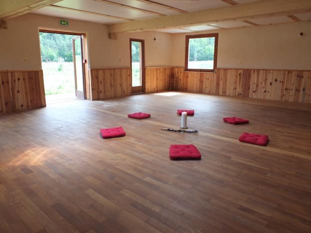 stage yoga montagne stage yoga lagom. Black Bedroom Furniture Sets. Home Design Ideas